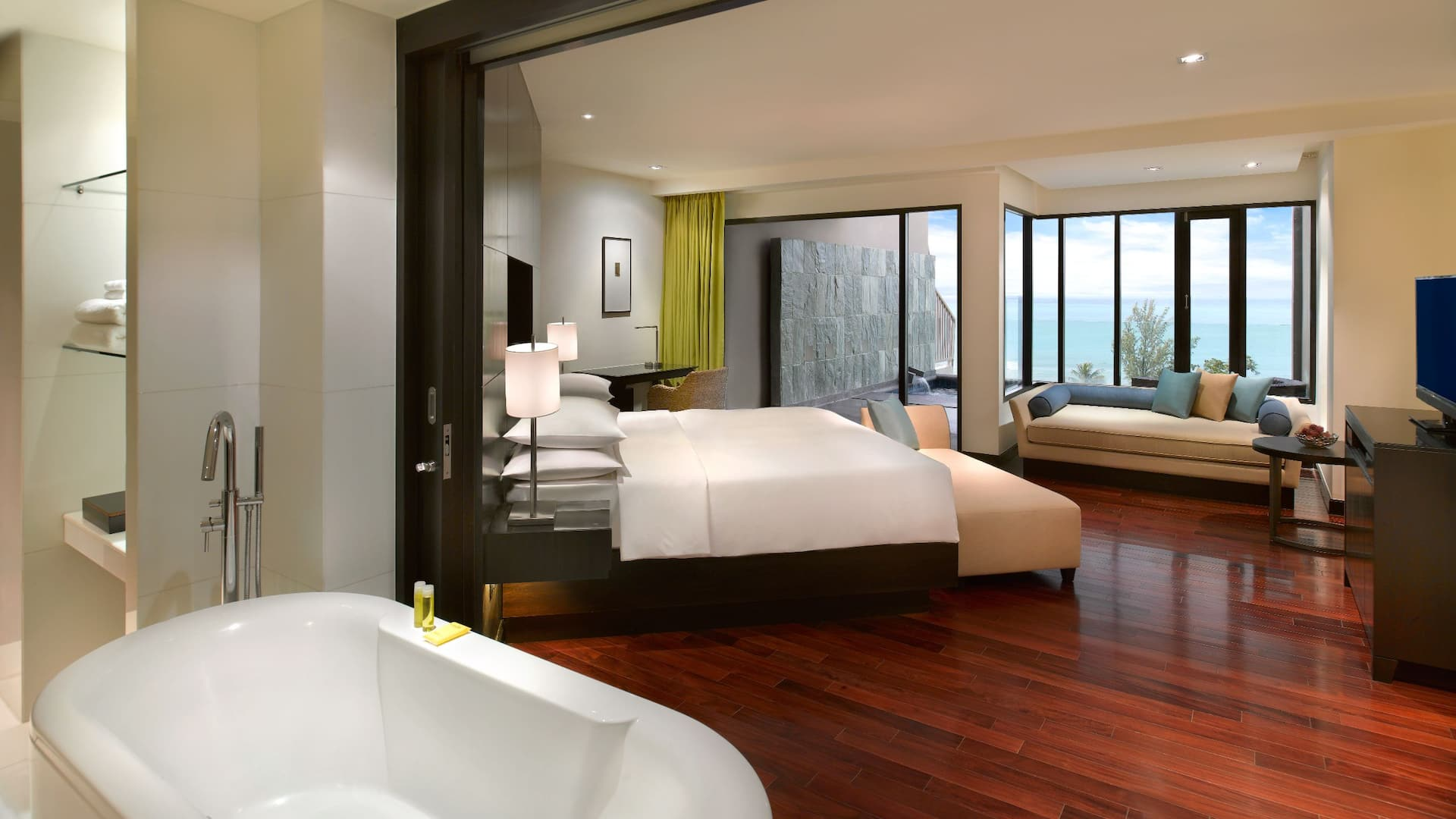 5-star Phuket Hotel in Kamala Beach Room