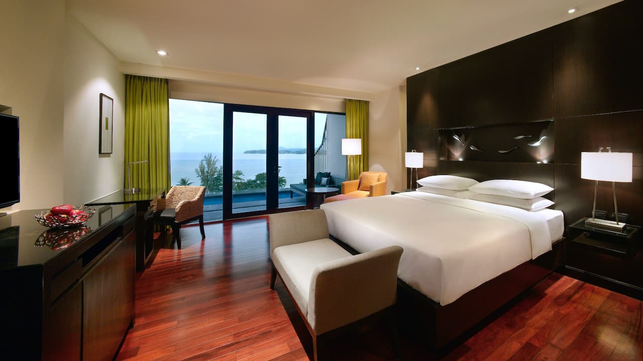 5-star Phuket Hotel in Kamala Beach King Bed Ocean View Room