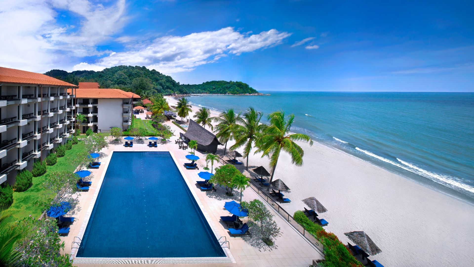 Hyatt Regency Kuantan Resort beach front