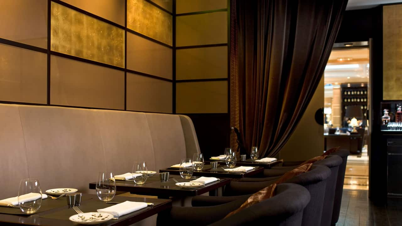 Café M seating