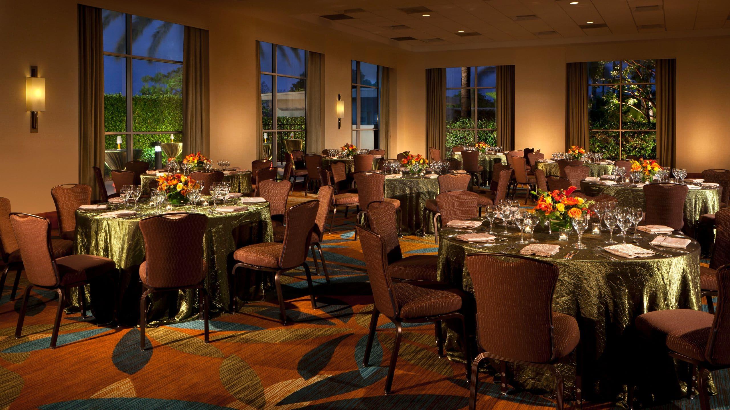 Anaheim Hotel Near Disneyland®   Hyatt Regency Orange County