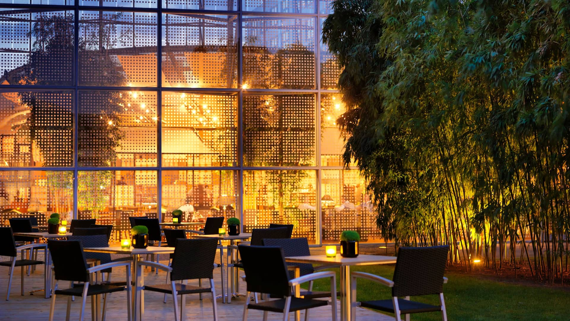 Terrace Night - Hotel Hyatt Regency Paris Charles de Gaulle​