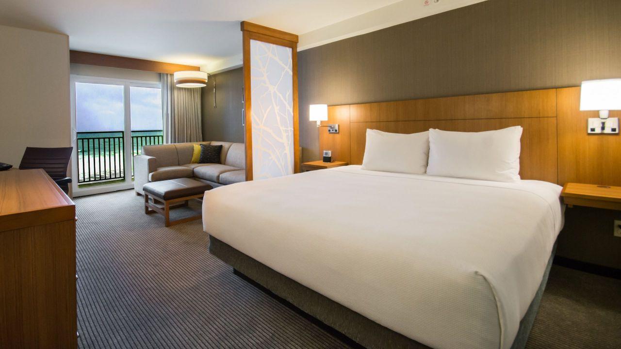 king bed oceanfront