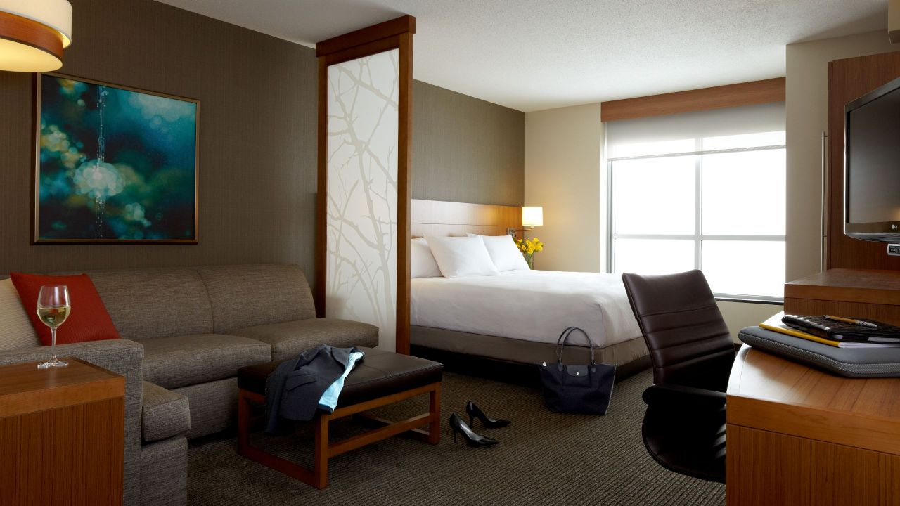 Spacious Hotel Rooms Near Tampa Premium Outlets 174 Hyatt