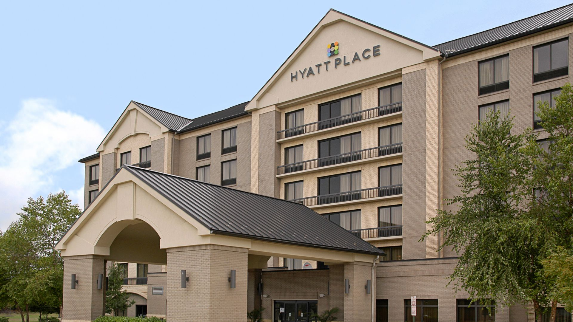 Hyatt Place Kansas City Airport Exterior