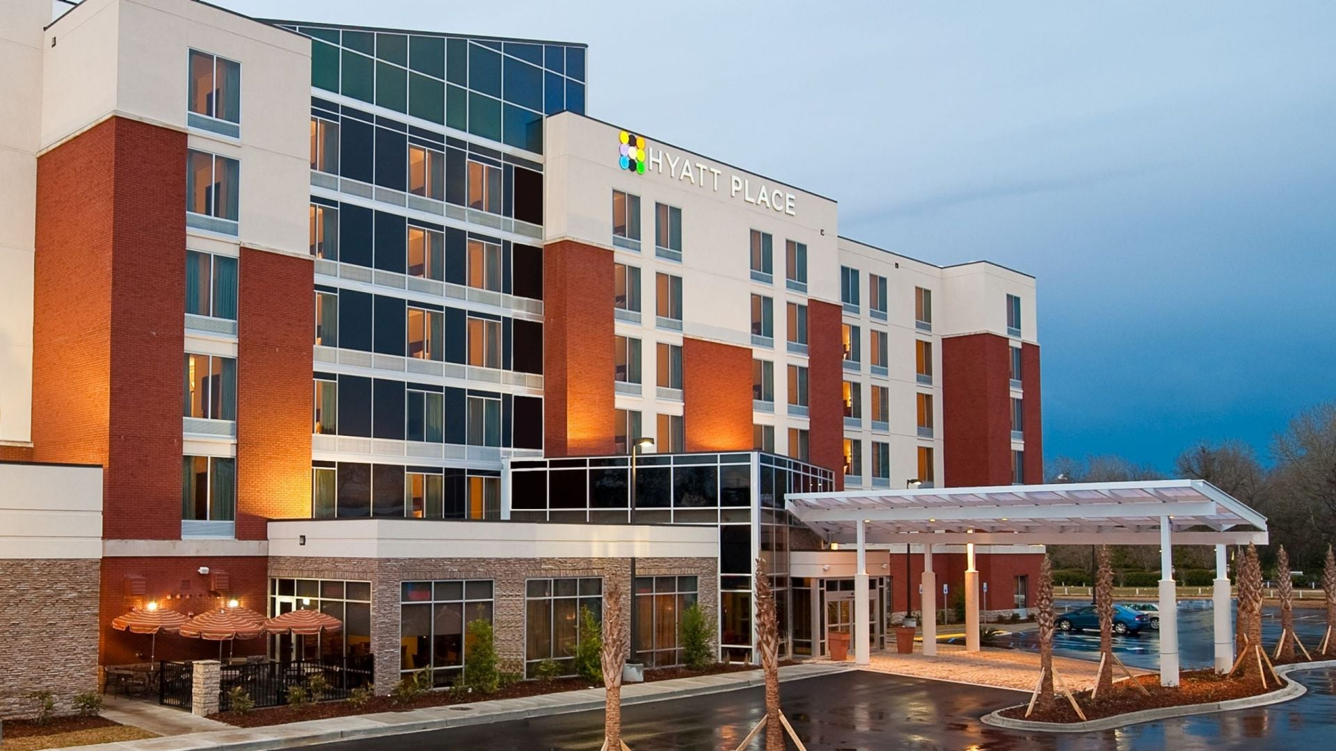 Hyatt Place Charleston Airport / Convention Center Exterior