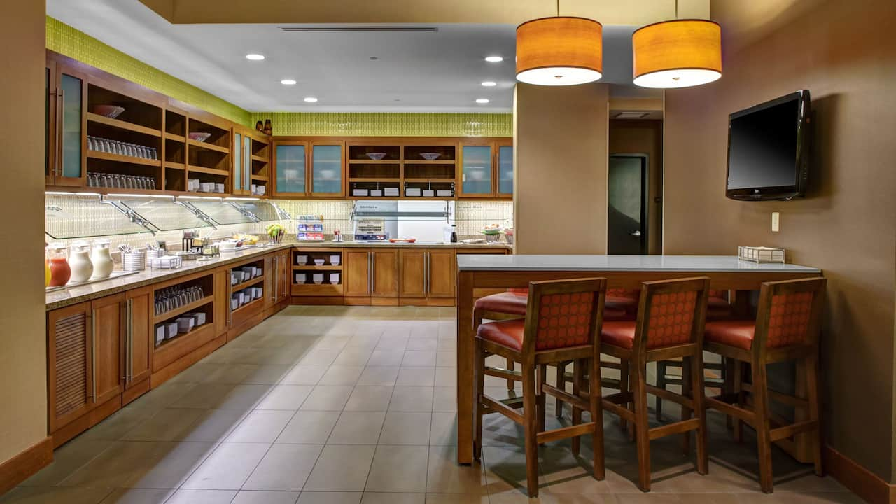 Hyatt Place Delray Beach Guest Kitchen