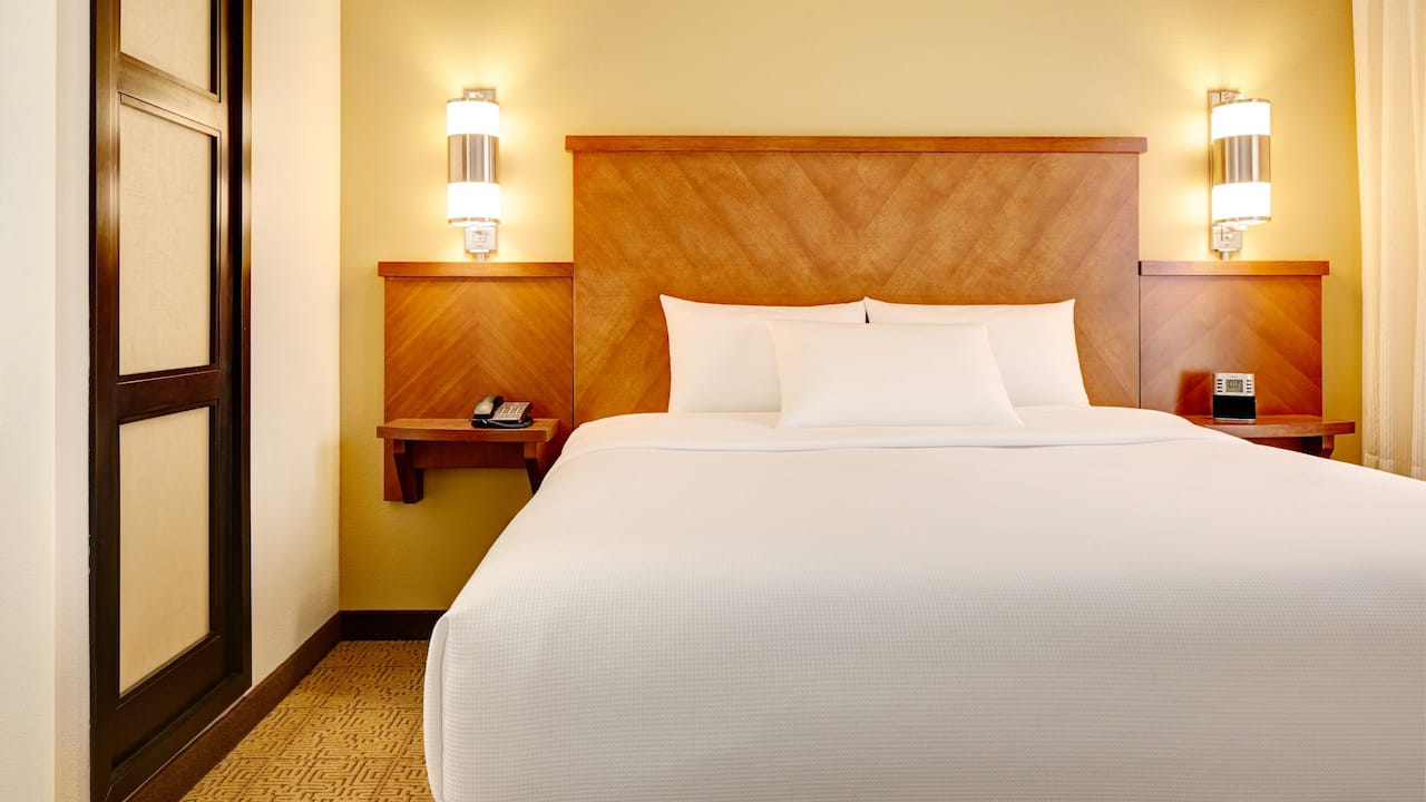 ADA Room with King Bed and Roll-In Shower Hyatt Place Orlando Airport