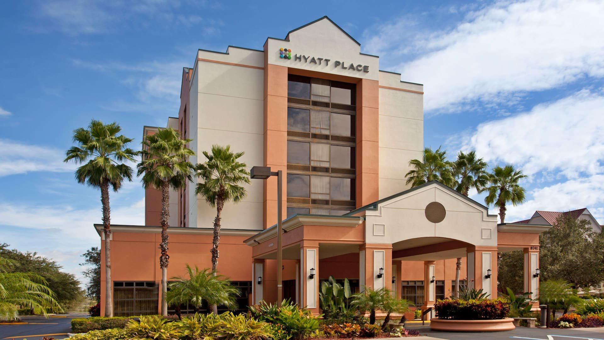 Hyatt Place Orlando Convention Center Parking and Transport