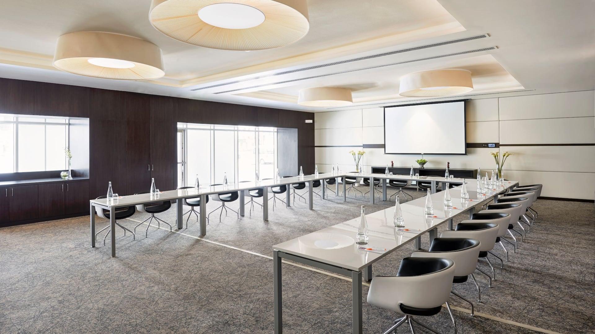 Meeting Place U Shape