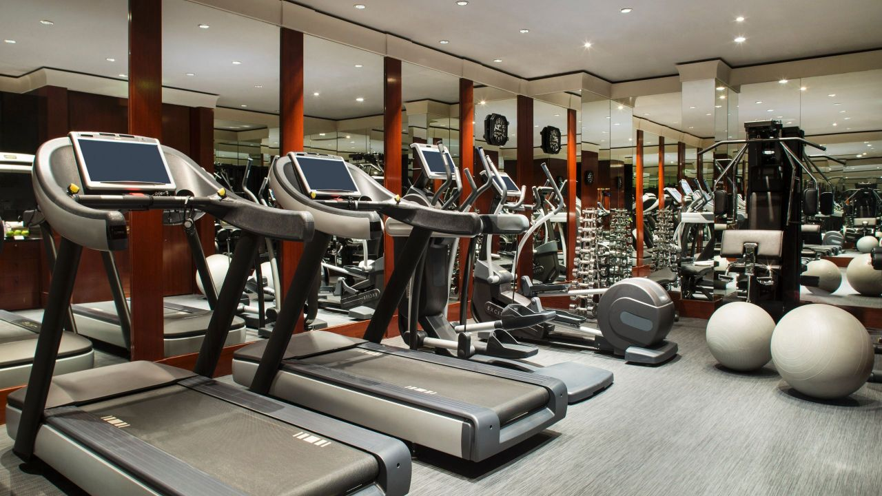 Fitness center with treadmills  and ellipticals Hotel Park Hyatt Paris - Vendôme