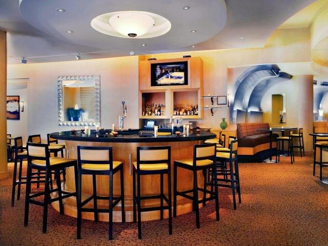 Hyatt Rosemont Bar