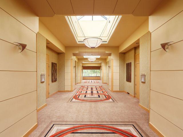 Hyatt Rosemont Hallway
