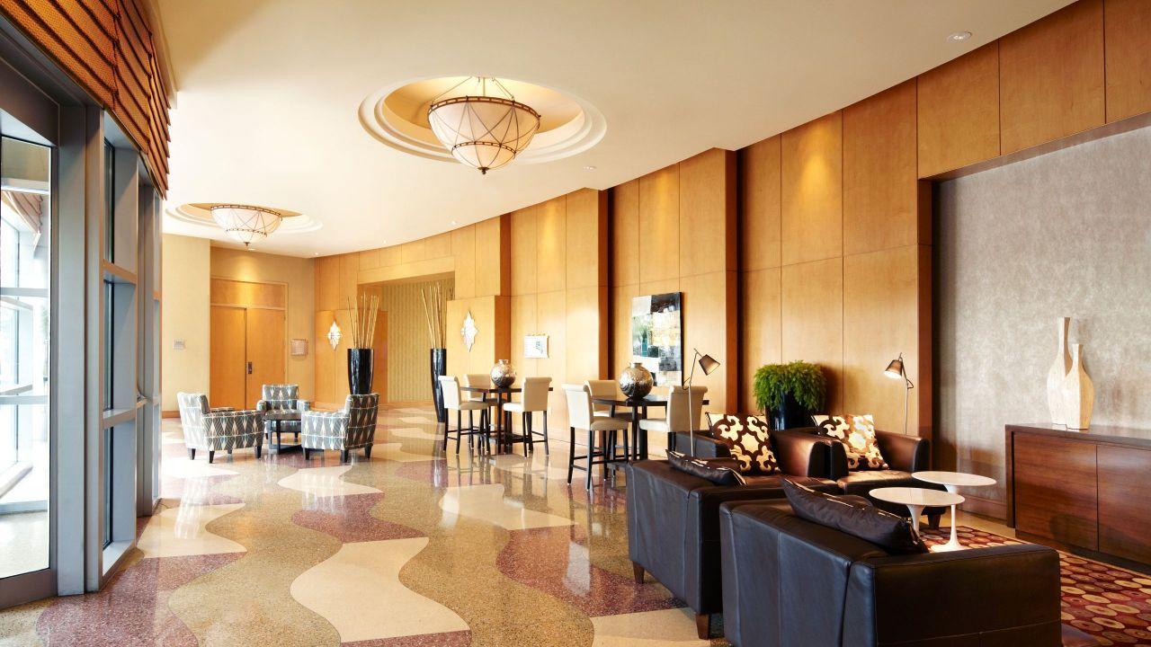 Hyatt Rosemont Lobby