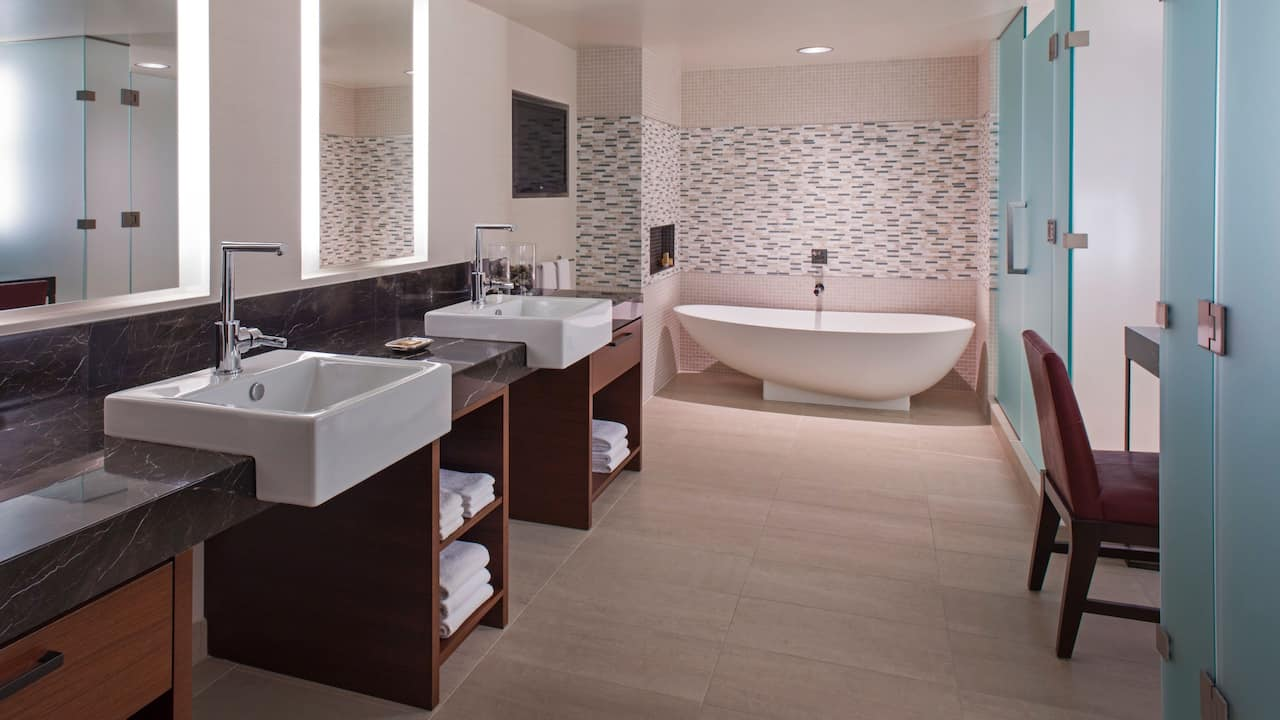 Evergreen Suite Bathroom