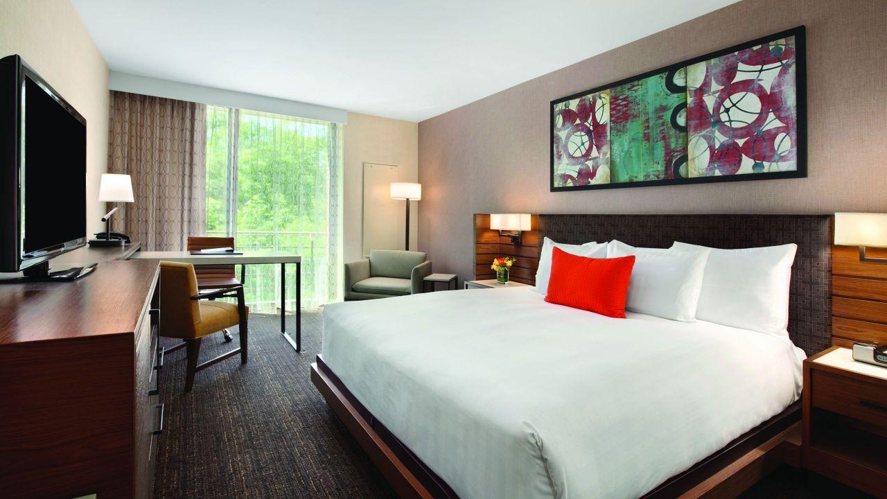 Hyatt Lodge at McDonald's Campus, ADA King guestroom