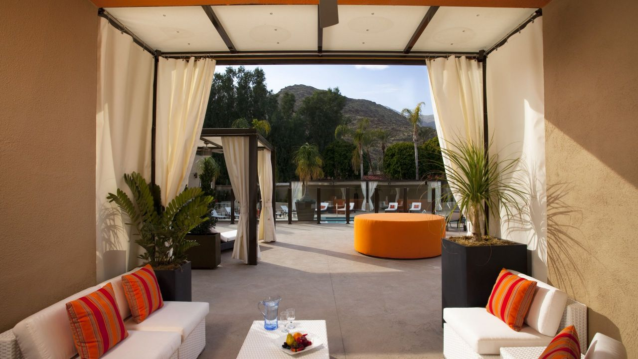 Hyatt Palm Spring Cabana Suite