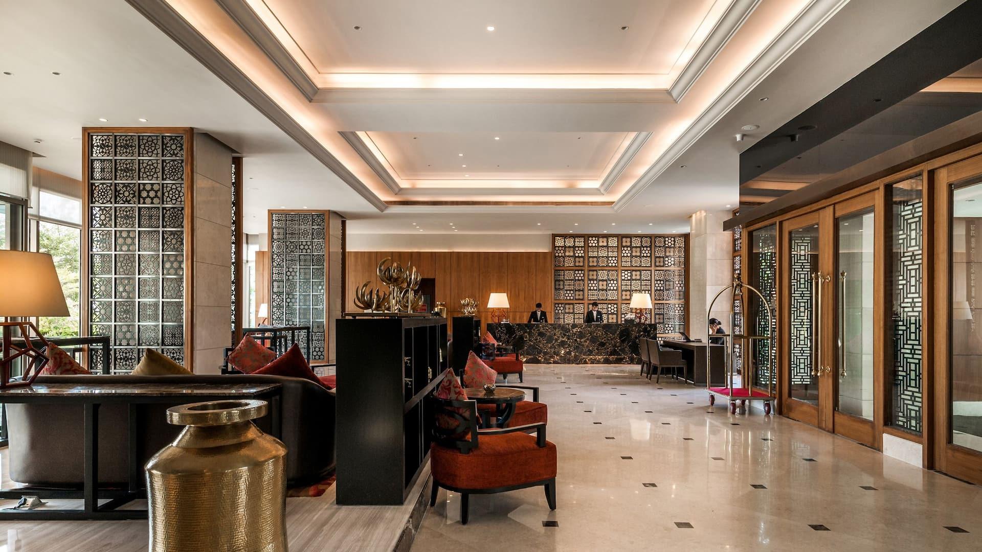 Hyatt Ahmedabad, lobby