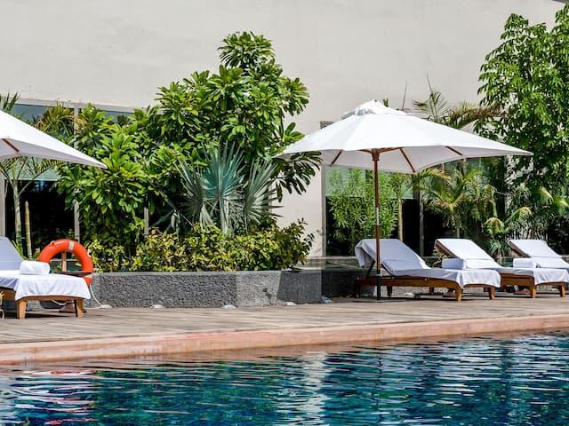 Hyatt Ahmedabad, pool