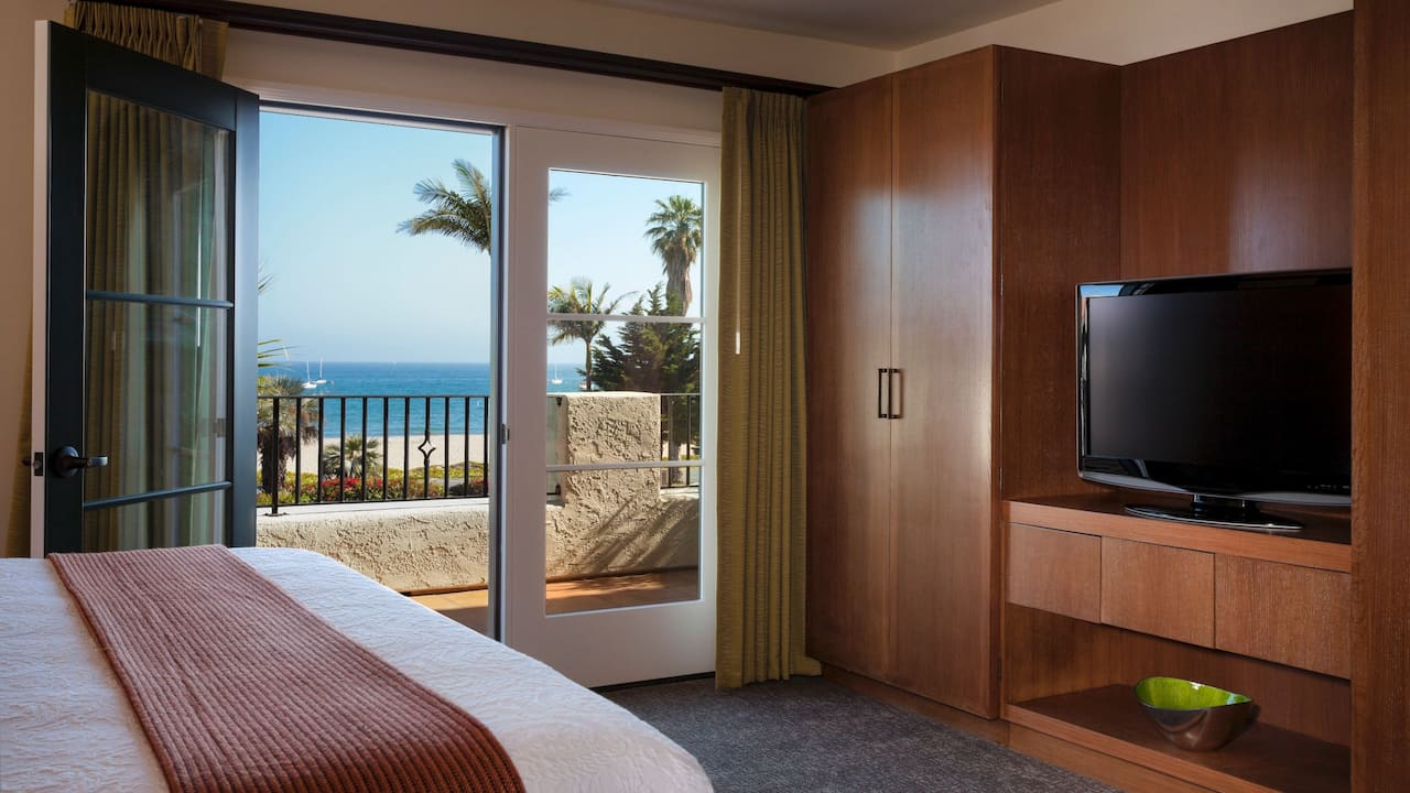 King size bed Ocean View
