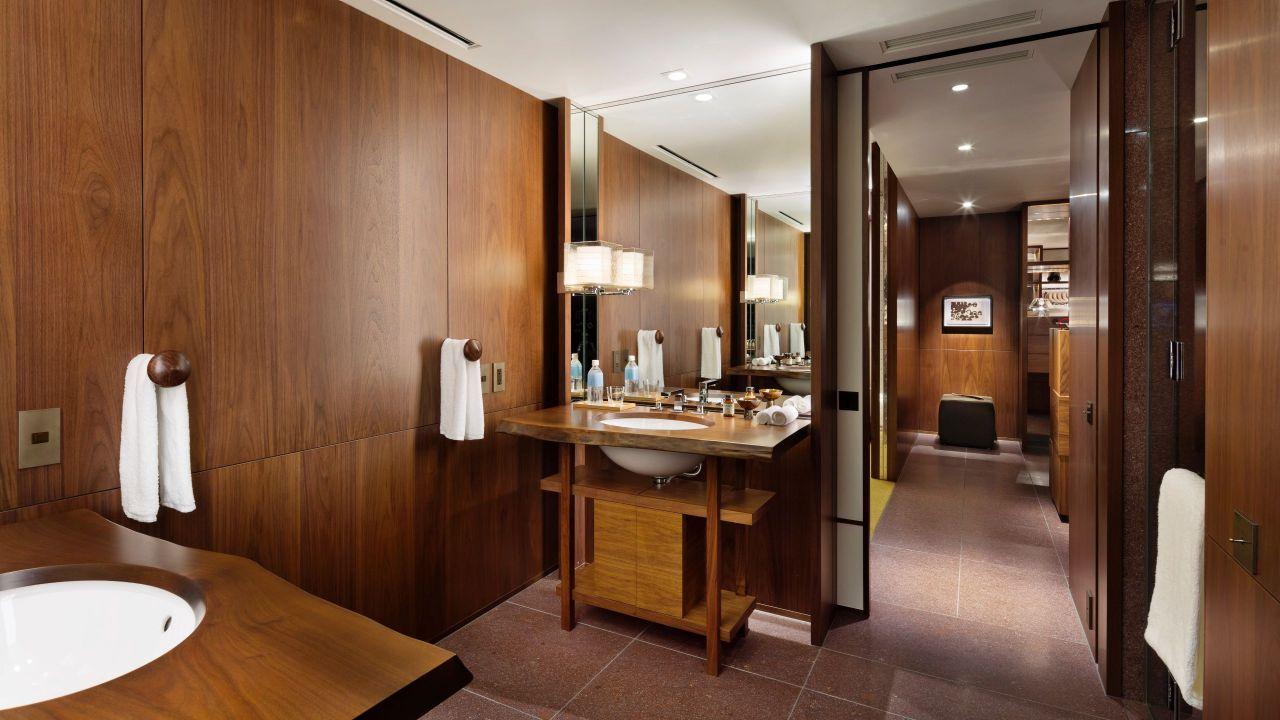 Andaz Tokyo Toranomon Hills, guest bathroom