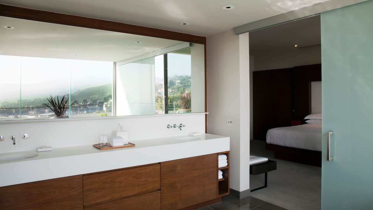 ANDAZ WEST HOLLYWOOD (ANDAZ) | Penthouse Suite Bathroom