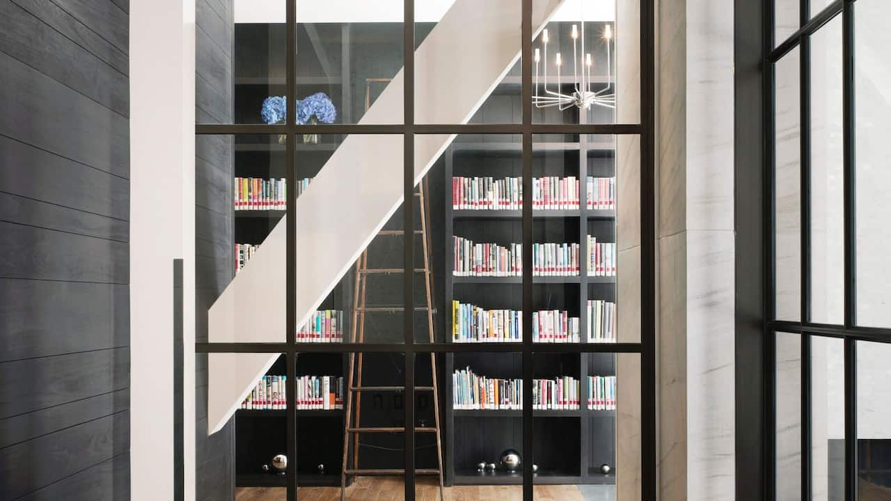 Andaz 5th Avenue Library