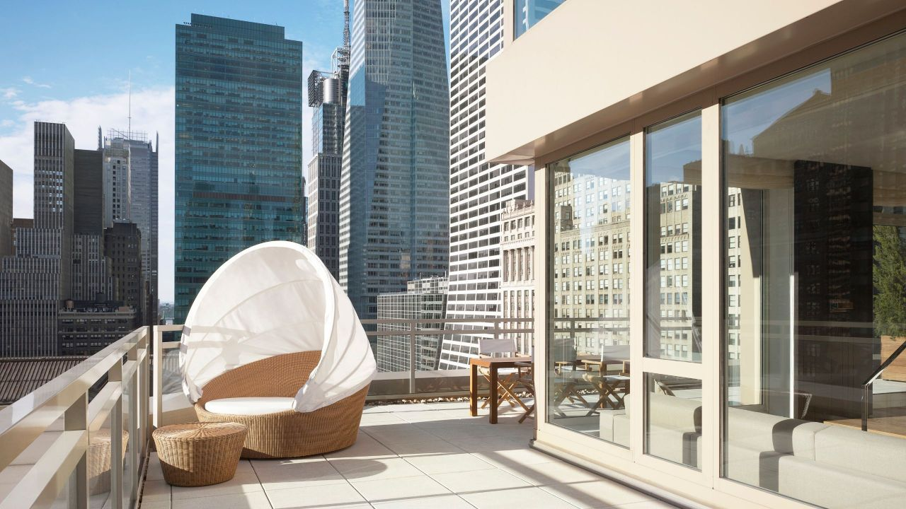 Andaz 5TH AVENUE Balcony