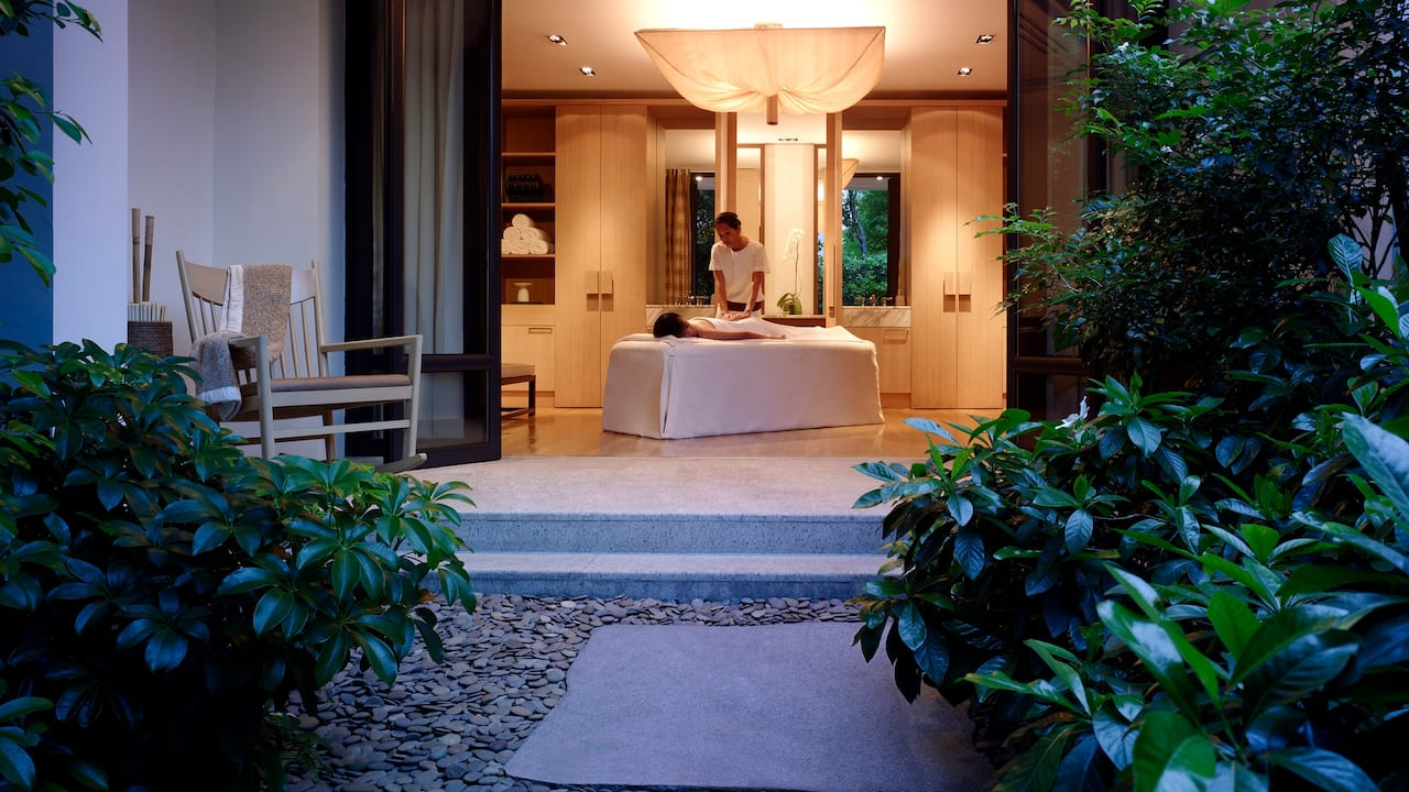 Grand Hyatt Erawan Bangkok Spa Treatment