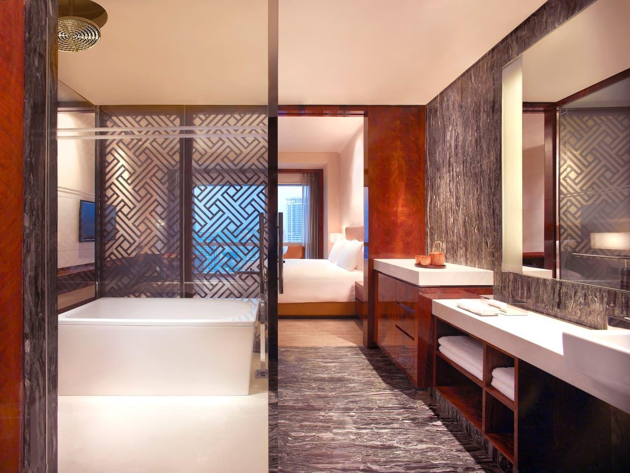 Grand Hyatt Shenzhen Bathroom