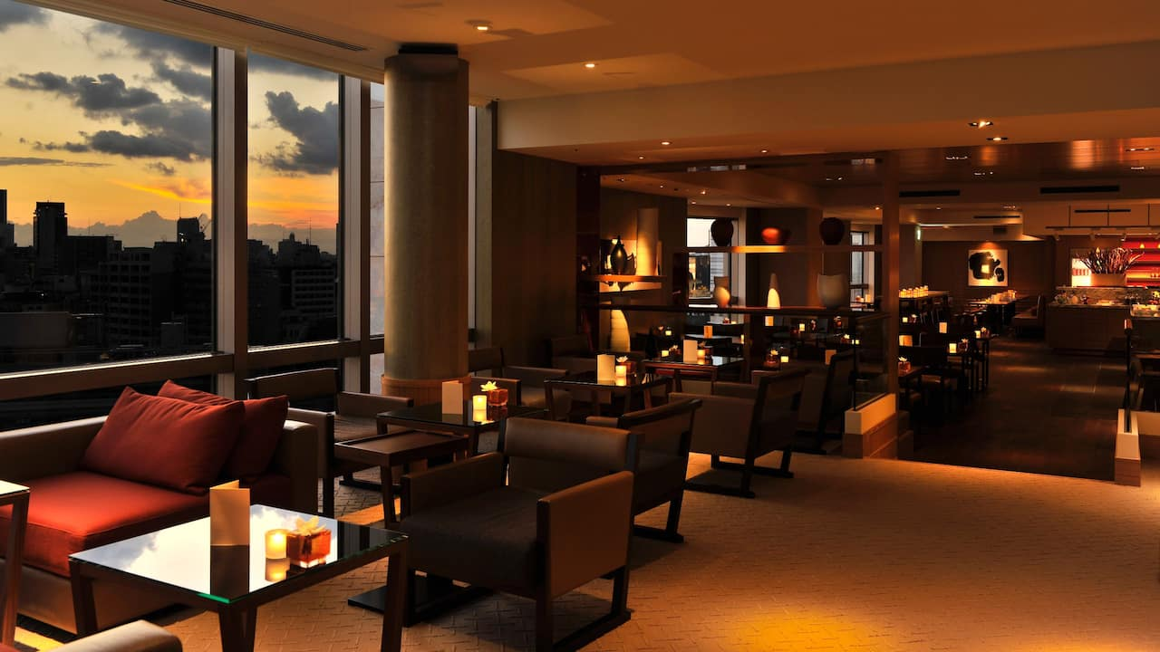 Grand Hyatt Exclusive Club Lounge 2