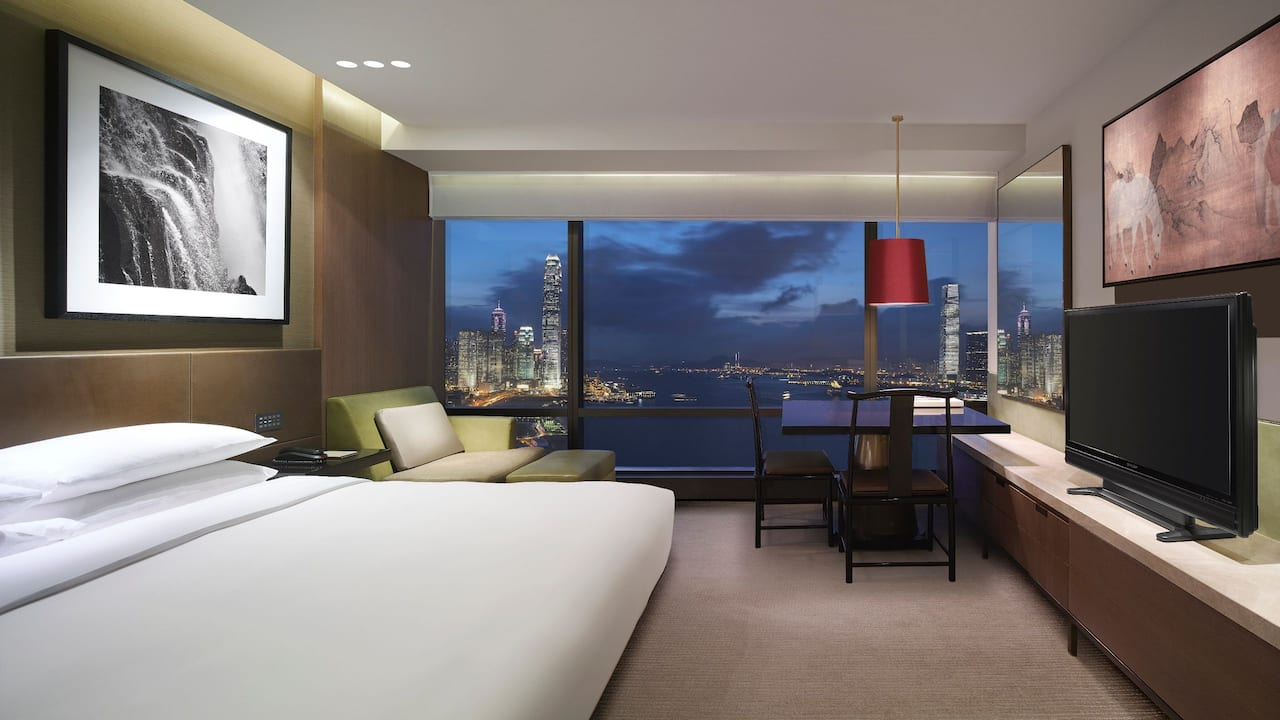 1 King Bed Harbour View with Club