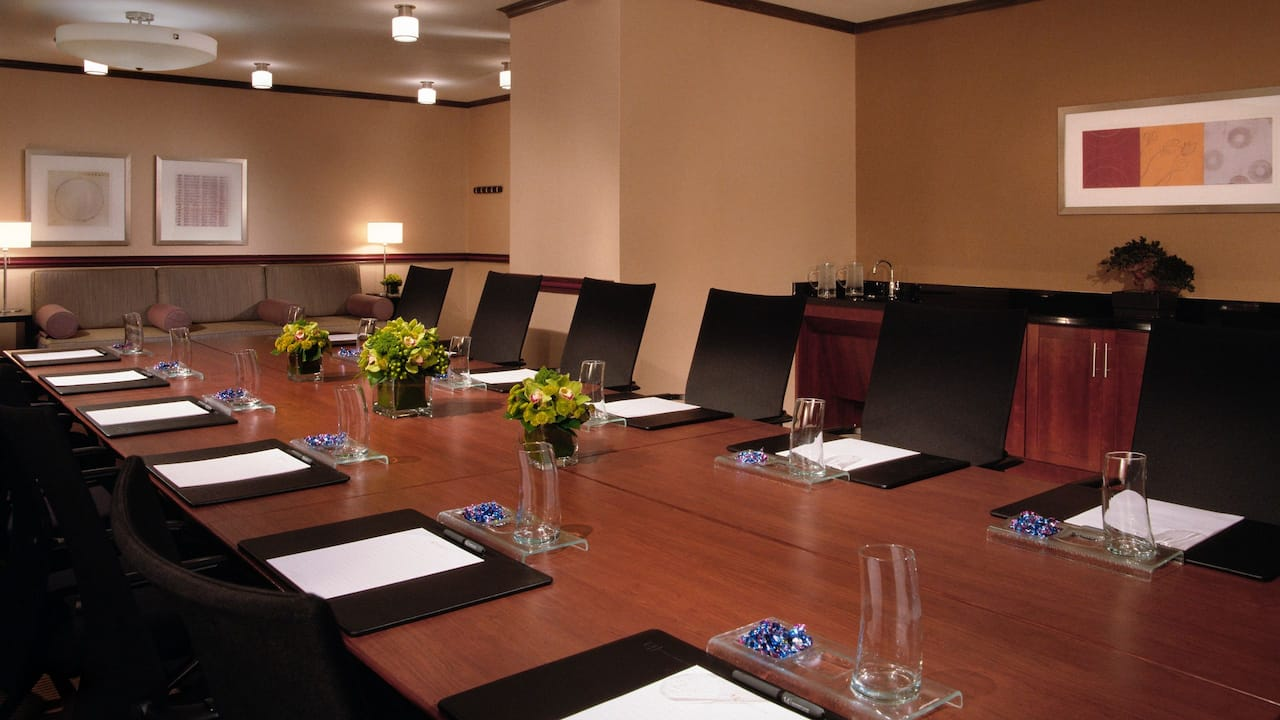 Grand Hyatt New York Meeting Room Table