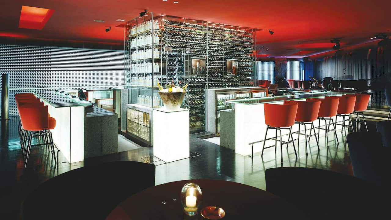 Burgundy Bar, Hotel Bar Grand Hyatt Jakarta, Located in a complex of Plaza Indonesia