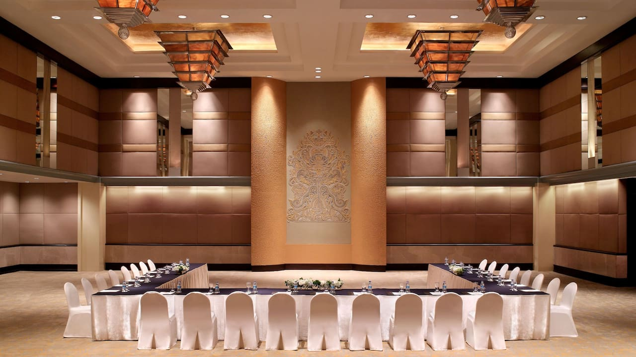 The Grand Ballroom U-Shape Setup for Meetings The Grand Hyatt, Jakarta