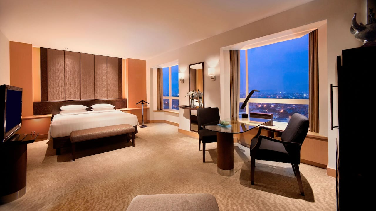 5 Star Luxury Hotel Rooms (Grand Room) at Grand Hyatt Jakarta