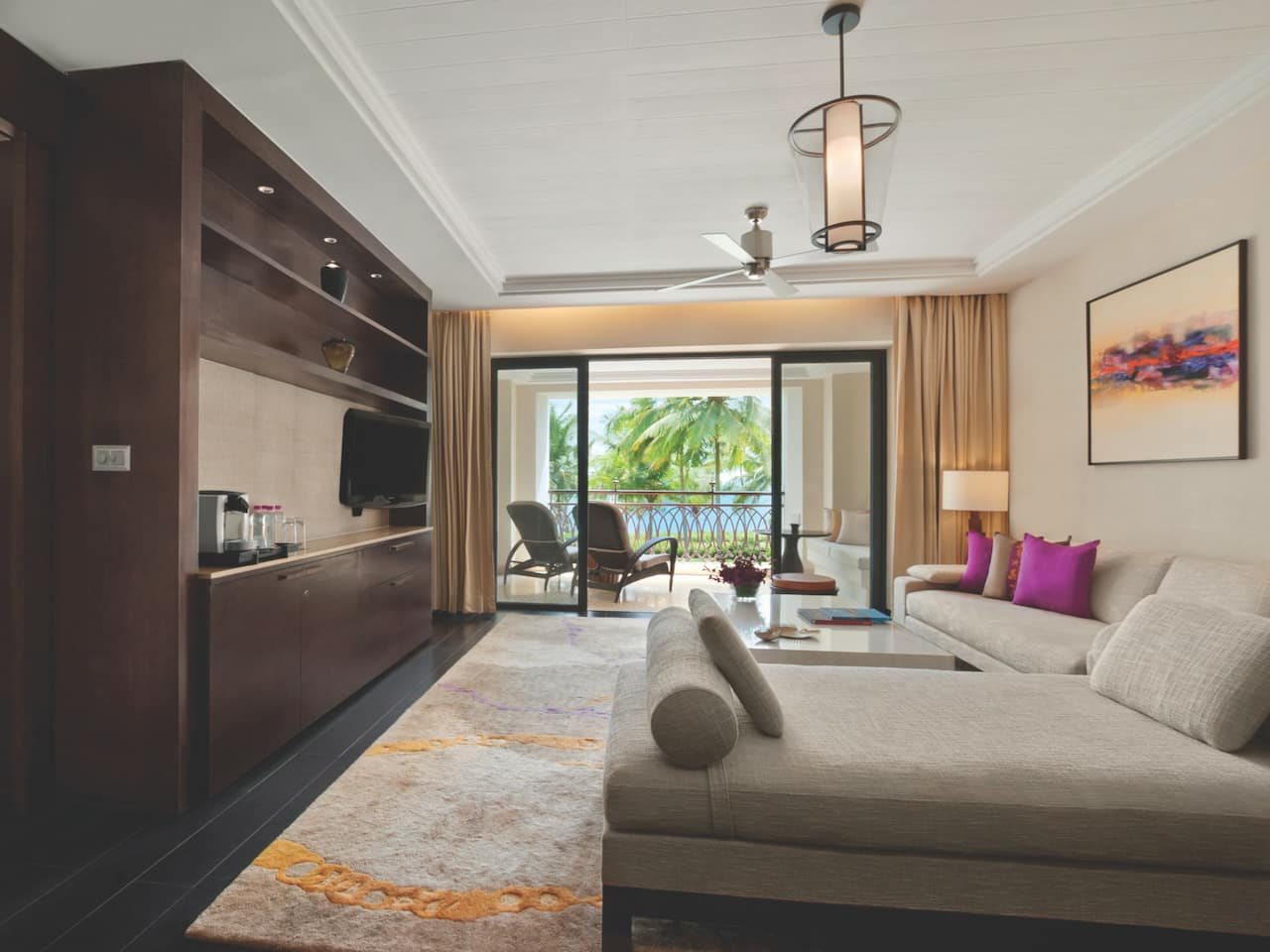 Grand Suite Livingroom
