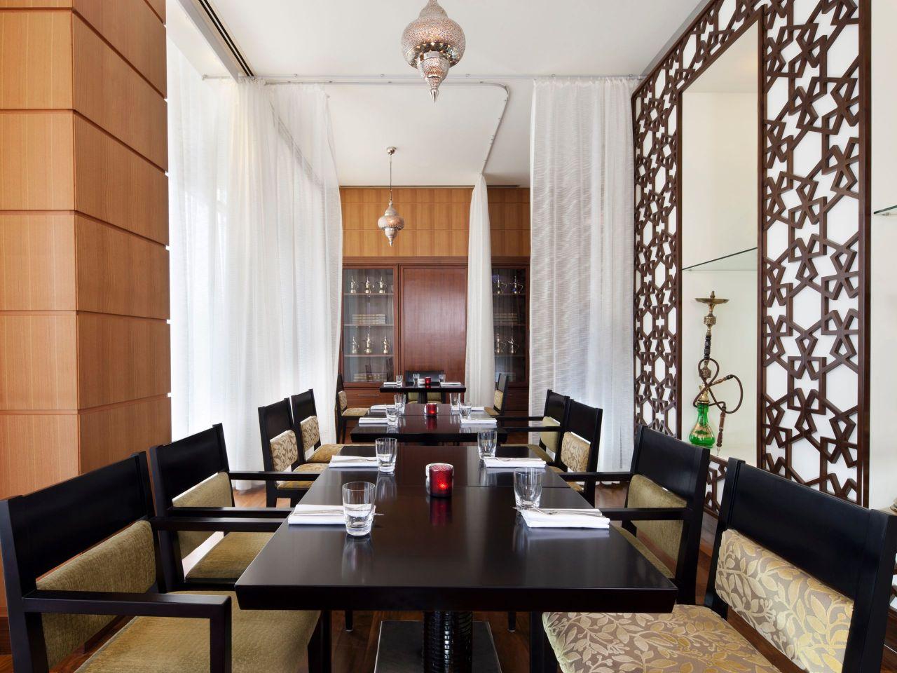 majlis table