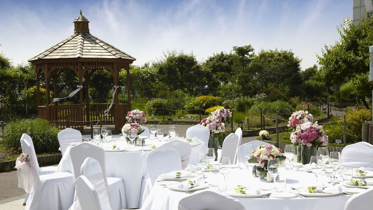 Terrace Garden with Gazebo - Perfect for Outdoor Weddings