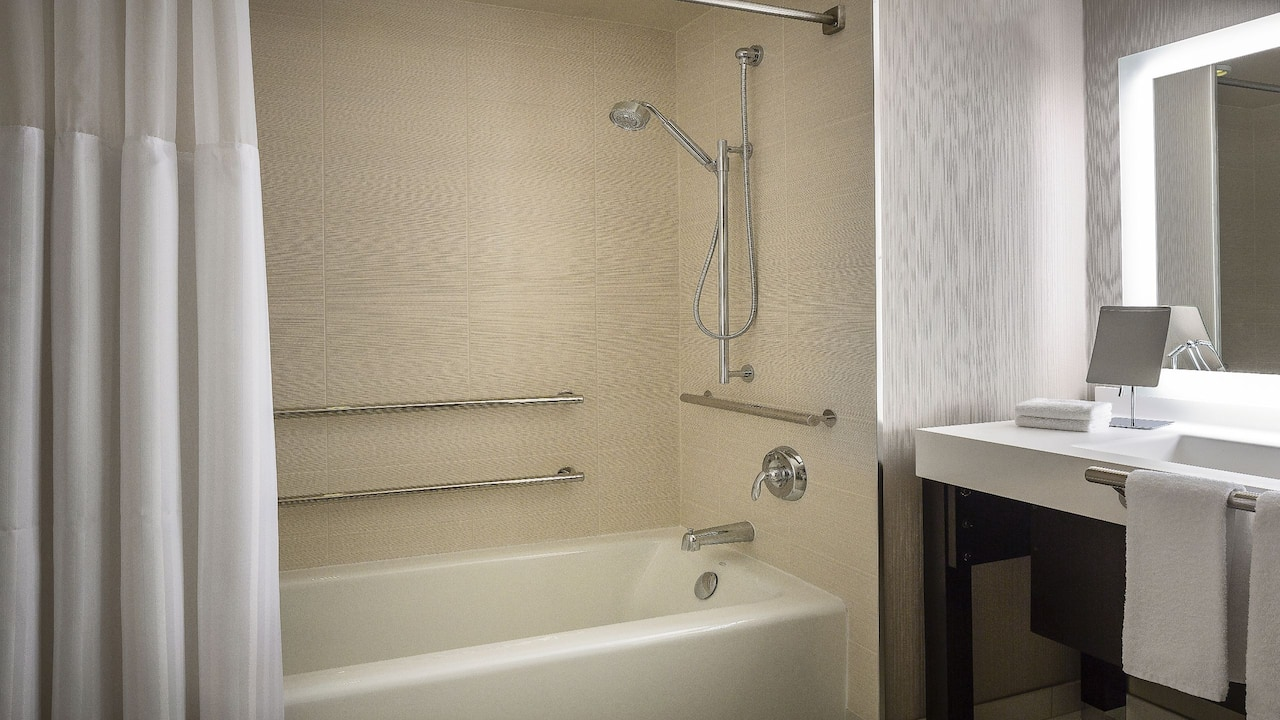 Manchester Grand Hyatt San Diego Accessible Bathtub