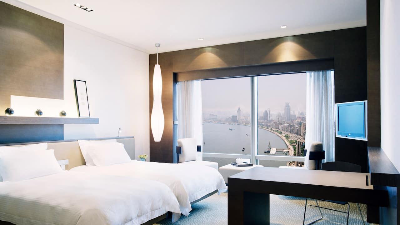 Bund daytime room view