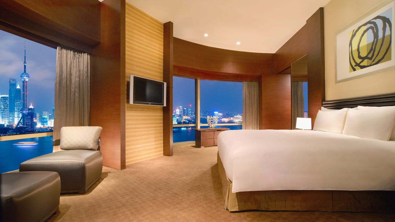 Bund Suite Bedroom East Tower