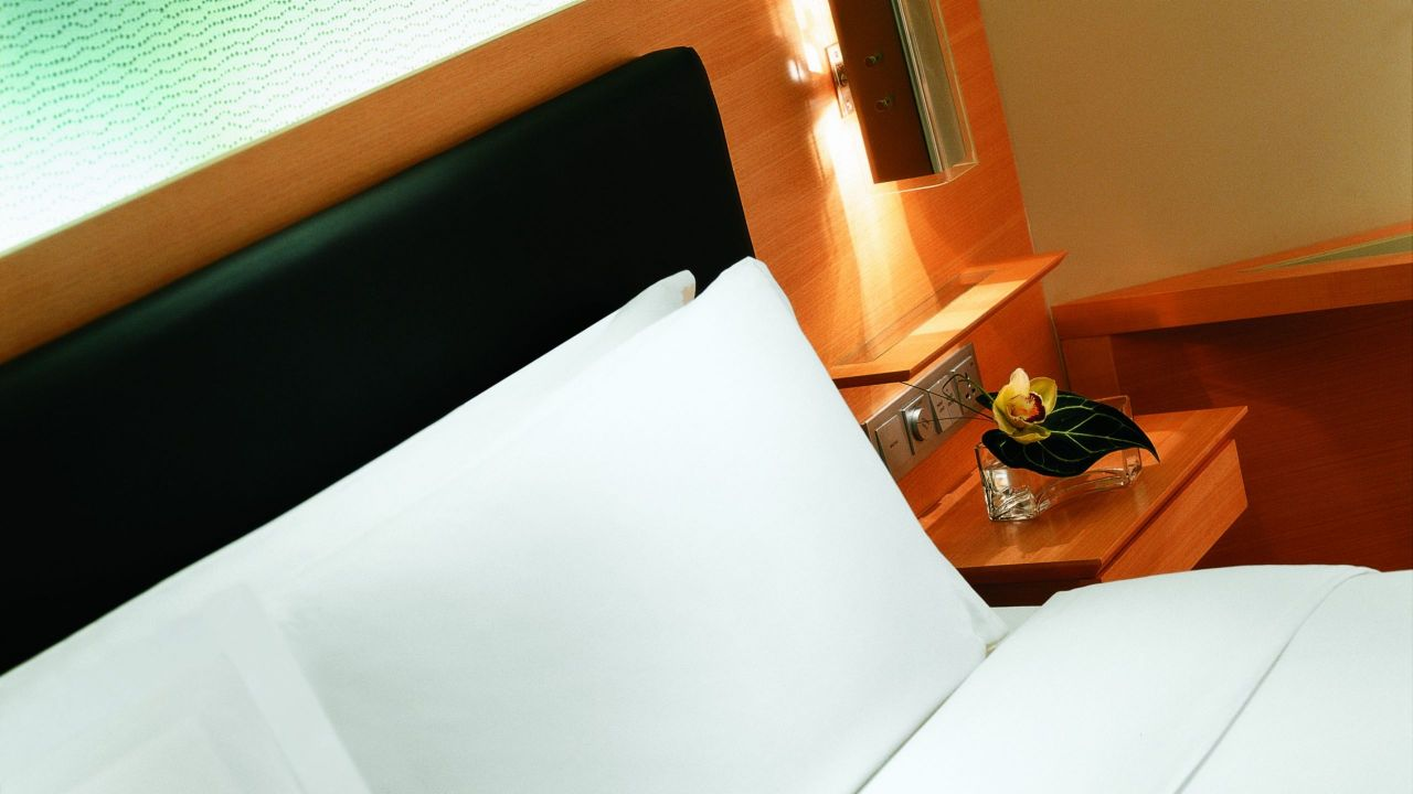two bed guestroom