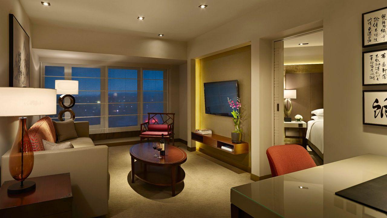 Grand Suite Livingroom