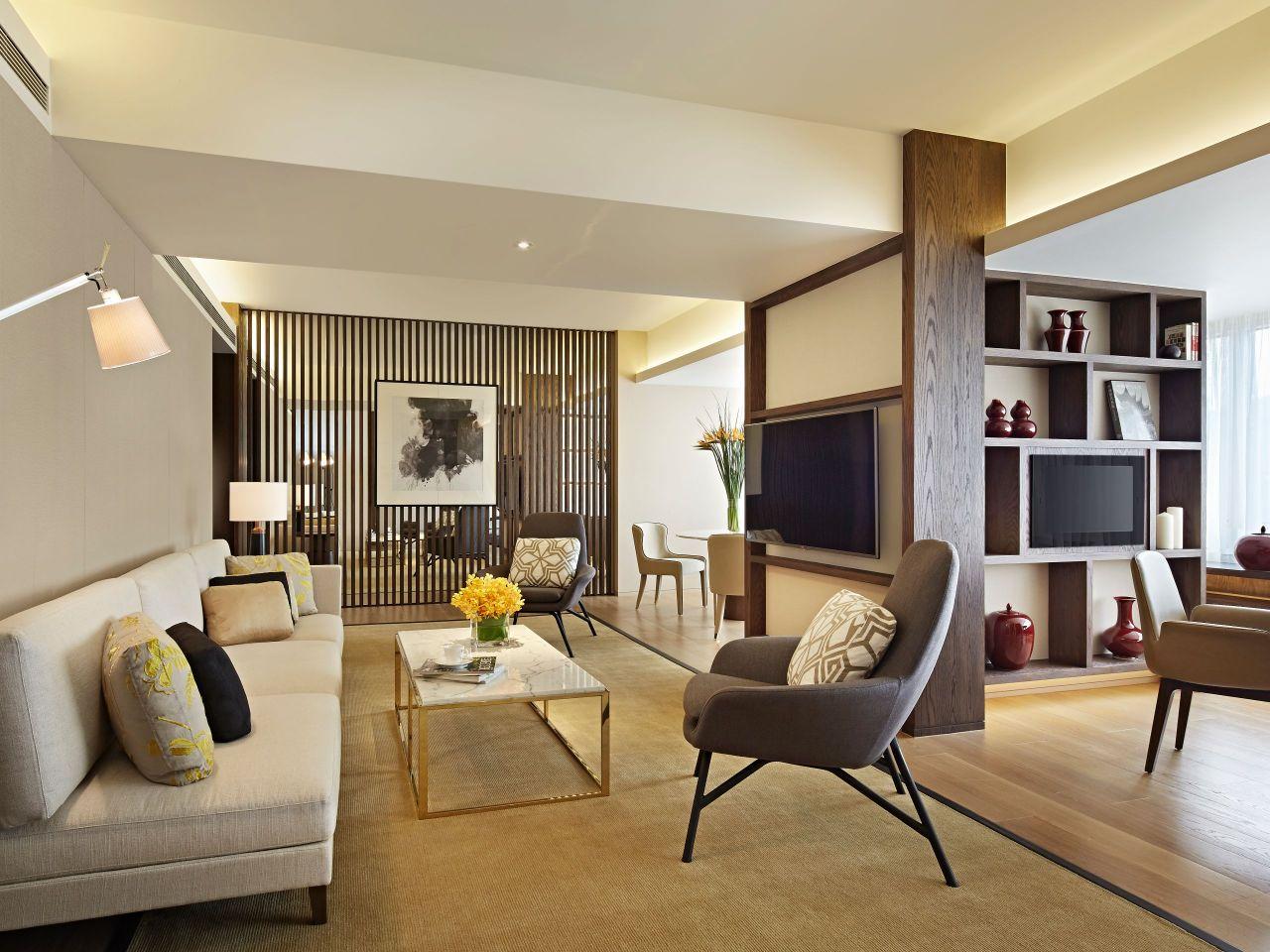 Premier Suite Livingroom