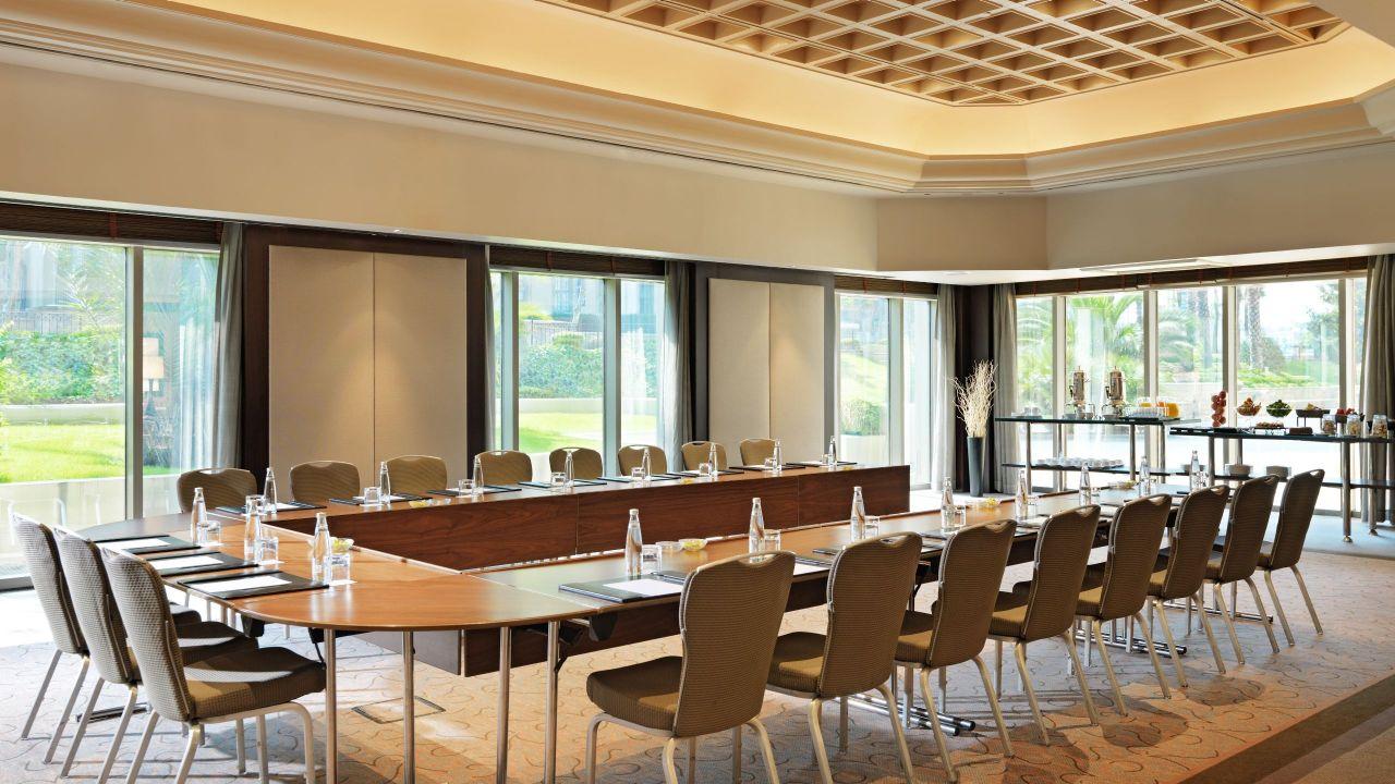 roy Meeting Room U-Style