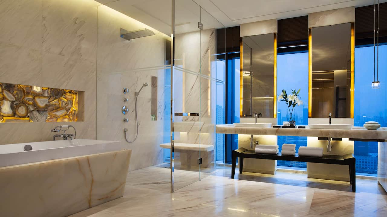 Chairman Suite Bathroom