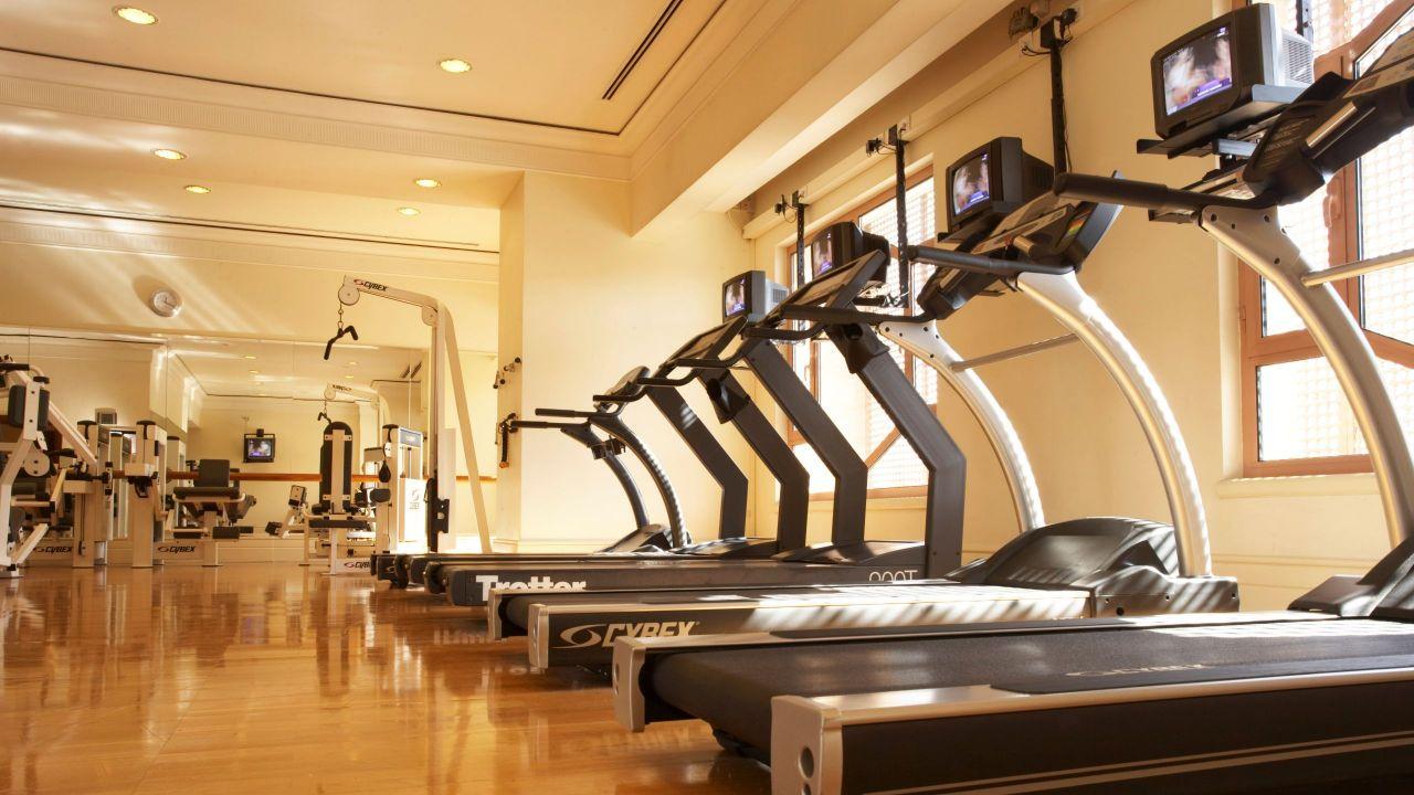 Fitness treadmills