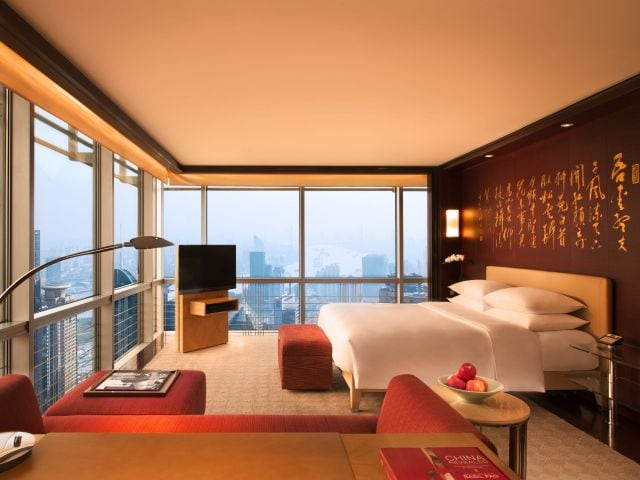 deluxe club room with river view