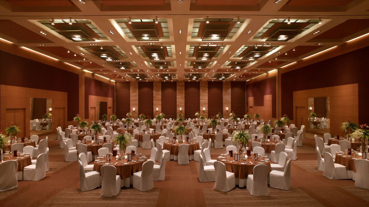 Grand Ballroom Round Table
